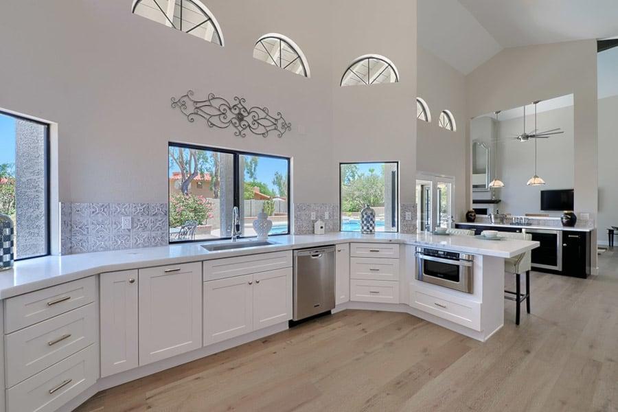 custom white shaker cabinets in phoenix