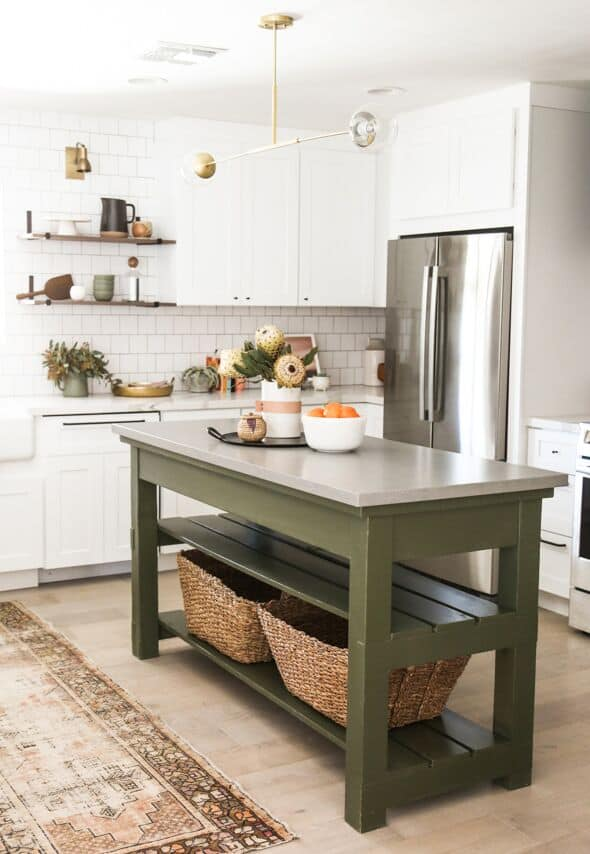 white shaker kitchen cabinets in arizona